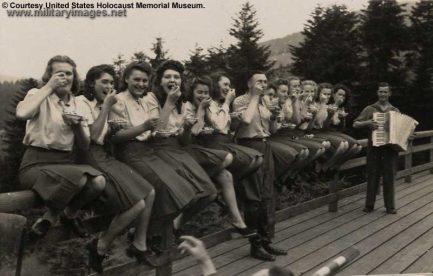 Holocaust1_800x511